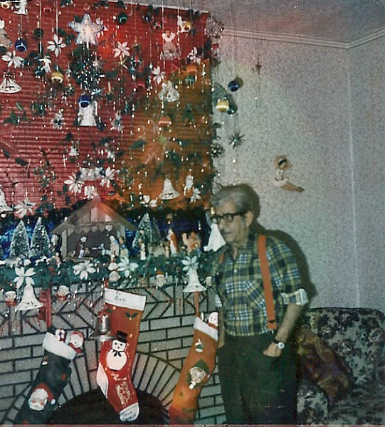 Photo of my grandfather at his last Christmas.